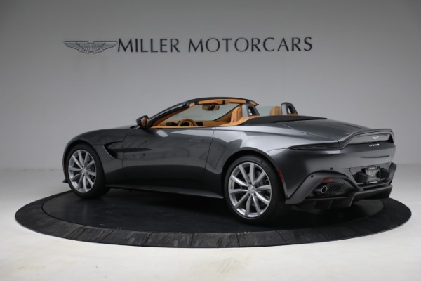 New 2021 Aston Martin Vantage Roadster for sale $174,586 at Alfa Romeo of Greenwich in Greenwich CT 06830 3