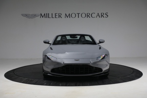 New 2021 Aston Martin Vantage Roadster for sale $180,286 at Alfa Romeo of Greenwich in Greenwich CT 06830 11