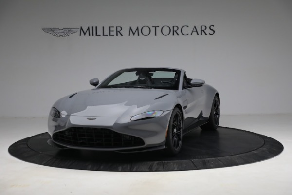 New 2021 Aston Martin Vantage Roadster for sale $180,286 at Alfa Romeo of Greenwich in Greenwich CT 06830 12