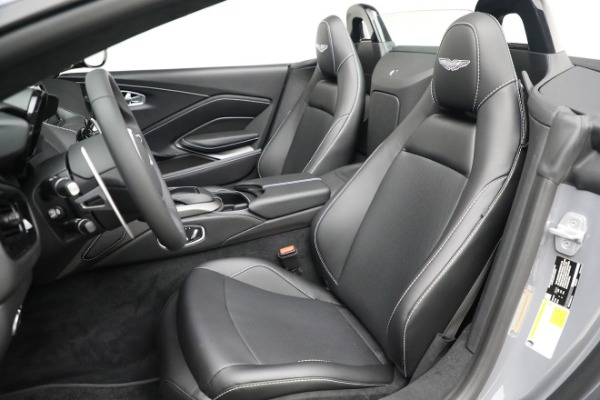 New 2021 Aston Martin Vantage Roadster for sale $180,286 at Alfa Romeo of Greenwich in Greenwich CT 06830 15