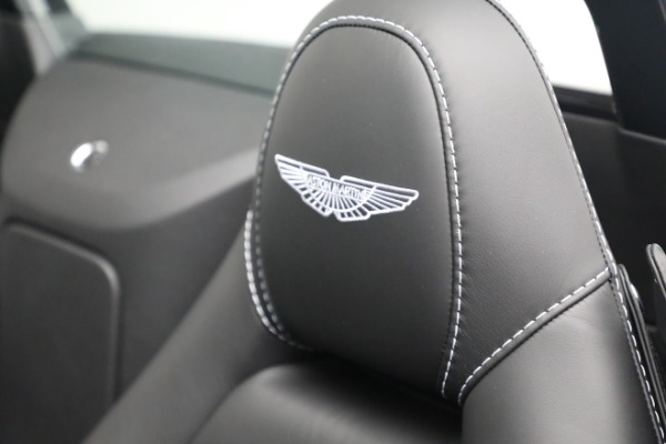 New 2021 Aston Martin Vantage Roadster for sale $180,286 at Alfa Romeo of Greenwich in Greenwich CT 06830 17
