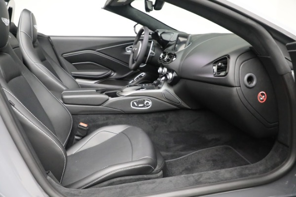 New 2021 Aston Martin Vantage Roadster for sale $180,286 at Alfa Romeo of Greenwich in Greenwich CT 06830 19