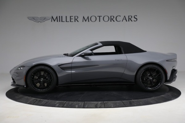 New 2021 Aston Martin Vantage Roadster for sale $180,286 at Alfa Romeo of Greenwich in Greenwich CT 06830 22