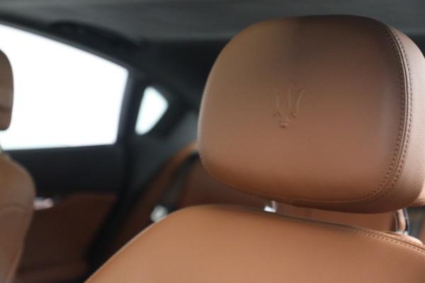 Used 2016 Maserati Quattroporte S Q4 for sale $46,900 at Alfa Romeo of Greenwich in Greenwich CT 06830 16