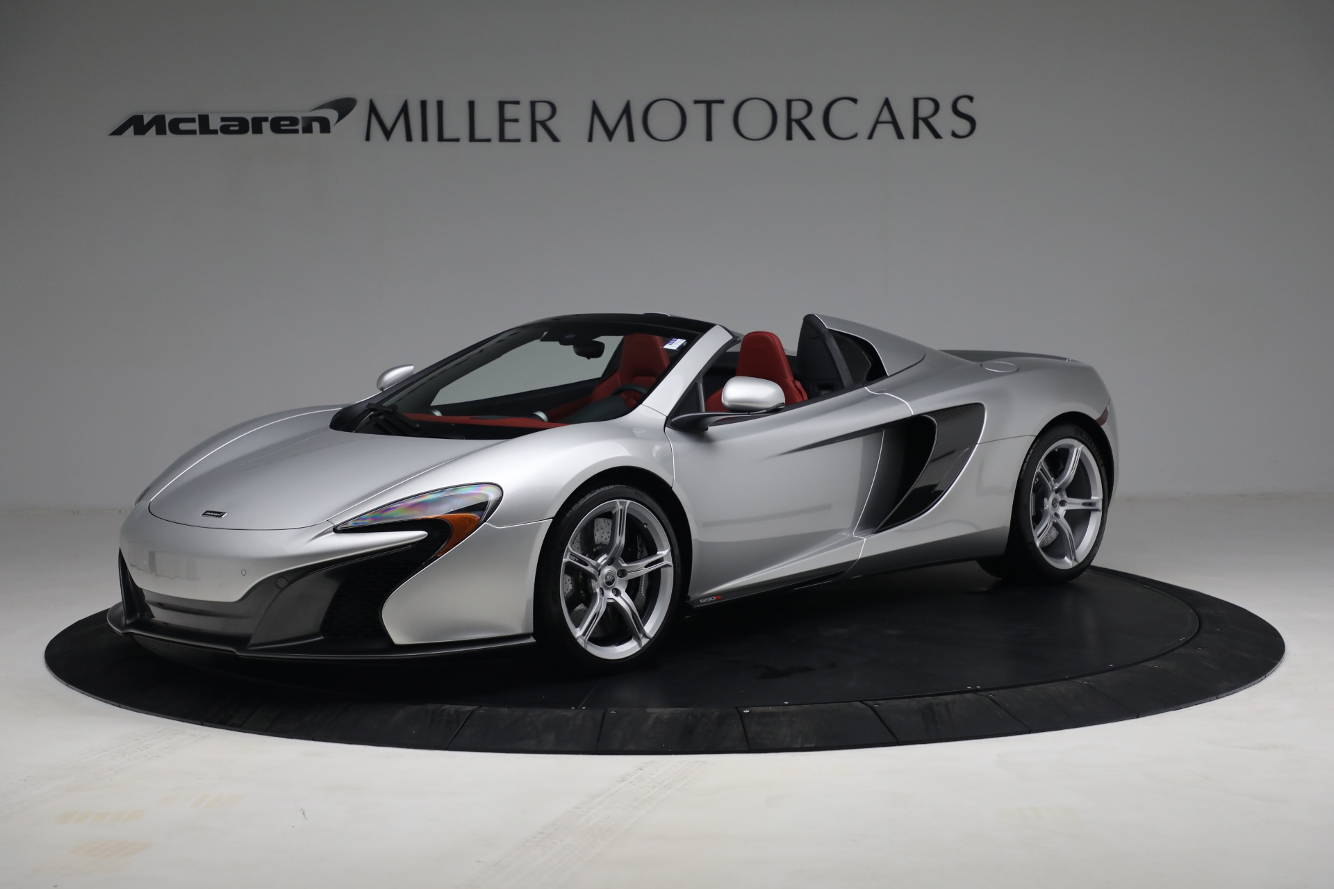Used 2015 McLaren 650S Spider for sale $179,990 at Alfa Romeo of Greenwich in Greenwich CT 06830 1