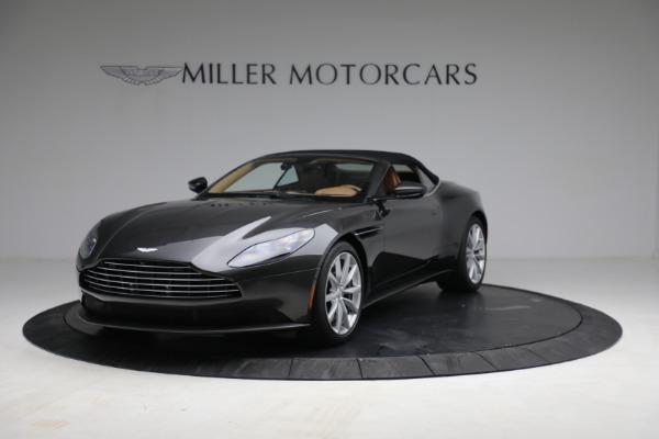 Used 2019 Aston Martin DB11 Volante for sale $212,990 at Alfa Romeo of Greenwich in Greenwich CT 06830 14