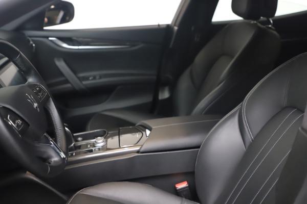 Used 2018 Maserati Ghibli SQ4 for sale $54,900 at Alfa Romeo of Greenwich in Greenwich CT 06830 14