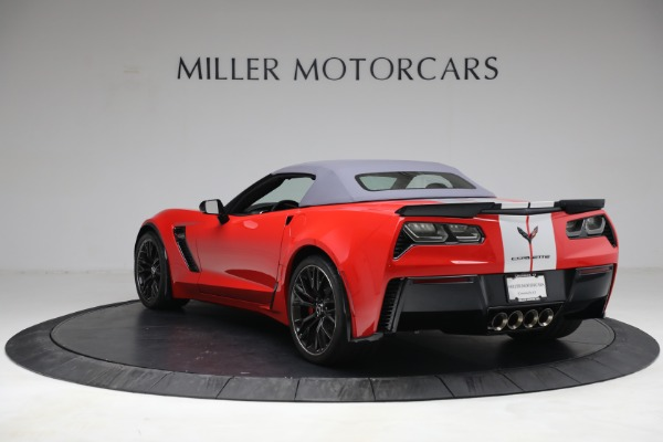Used 2015 Chevrolet Corvette Z06 for sale $89,900 at Alfa Romeo of Greenwich in Greenwich CT 06830 17