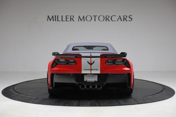 Used 2015 Chevrolet Corvette Z06 for sale $89,900 at Alfa Romeo of Greenwich in Greenwich CT 06830 18