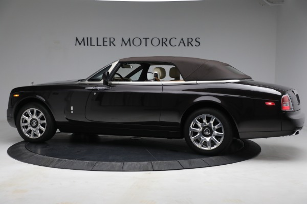 Used 2015 Rolls-Royce Phantom Drophead Coupe for sale Call for price at Alfa Romeo of Greenwich in Greenwich CT 06830 17