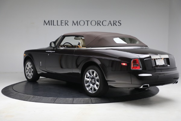 Used 2015 Rolls-Royce Phantom Drophead Coupe for sale Call for price at Alfa Romeo of Greenwich in Greenwich CT 06830 18