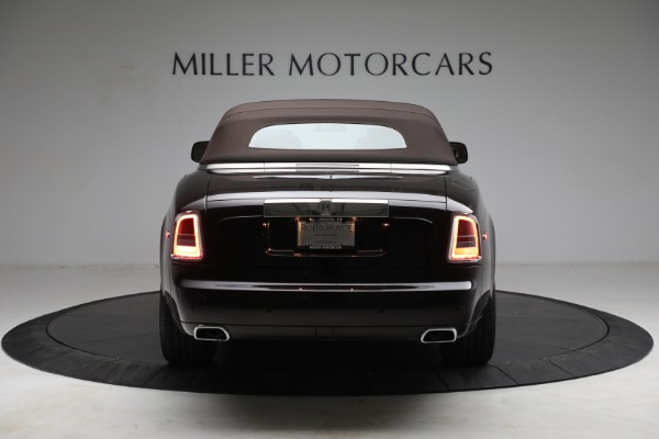 Used 2015 Rolls-Royce Phantom Drophead Coupe for sale Call for price at Alfa Romeo of Greenwich in Greenwich CT 06830 19