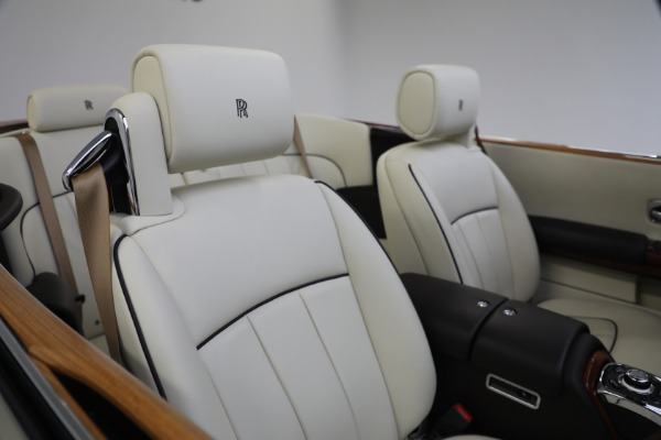Used 2015 Rolls-Royce Phantom Drophead Coupe for sale Call for price at Alfa Romeo of Greenwich in Greenwich CT 06830 26