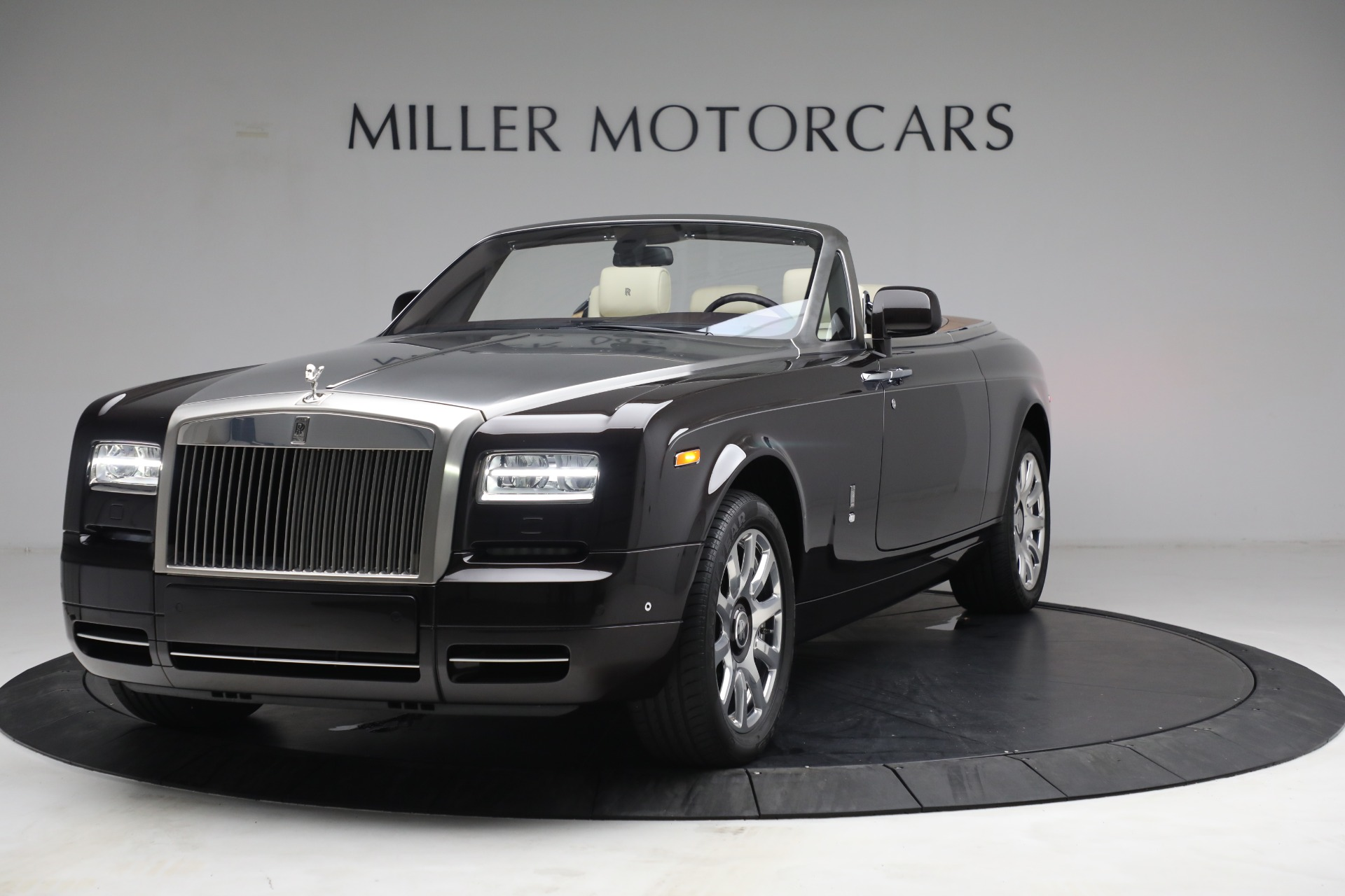 Used 2015 Rolls-Royce Phantom Drophead Coupe for sale Call for price at Alfa Romeo of Greenwich in Greenwich CT 06830 1