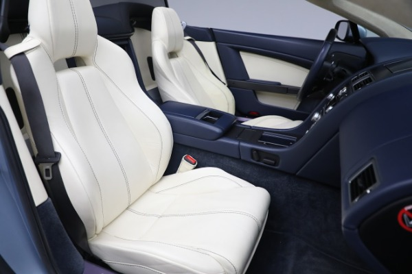 Used 2009 Aston Martin V8 Vantage Roadster for sale Call for price at Alfa Romeo of Greenwich in Greenwich CT 06830 20