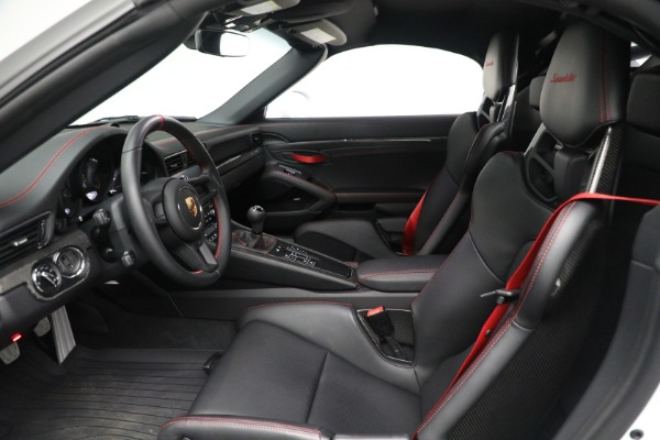 Used 2019 Porsche 911 Speedster for sale $395,900 at Alfa Romeo of Greenwich in Greenwich CT 06830 20