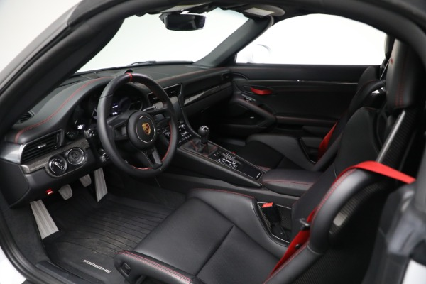 Used 2019 Porsche 911 Speedster for sale $395,900 at Alfa Romeo of Greenwich in Greenwich CT 06830 22