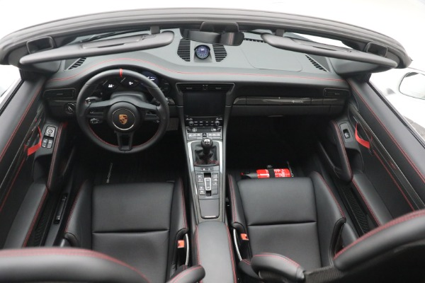 Used 2019 Porsche 911 Speedster for sale $395,900 at Alfa Romeo of Greenwich in Greenwich CT 06830 23