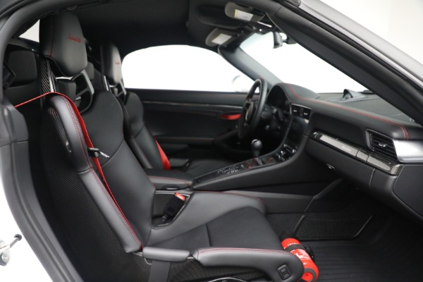 Used 2019 Porsche 911 Speedster for sale $395,900 at Alfa Romeo of Greenwich in Greenwich CT 06830 27