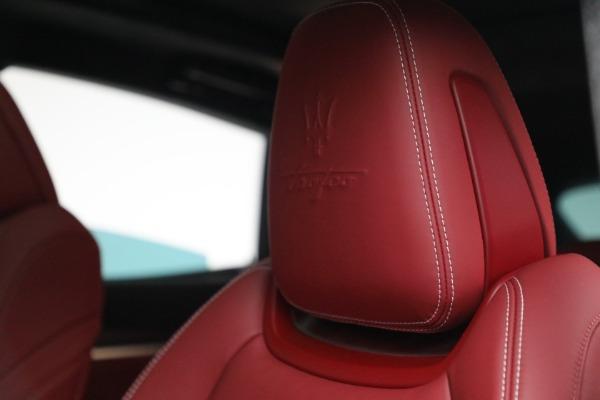 New 2022 Maserati Levante Trofeo for sale $155,045 at Alfa Romeo of Greenwich in Greenwich CT 06830 16