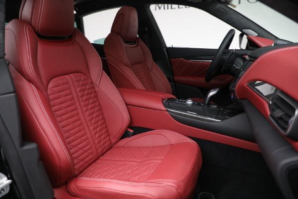 New 2022 Maserati Levante Trofeo for sale $155,045 at Alfa Romeo of Greenwich in Greenwich CT 06830 28