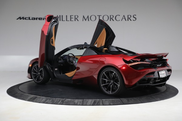 New 2022 McLaren 720S Spider for sale $382,090 at Alfa Romeo of Greenwich in Greenwich CT 06830 16