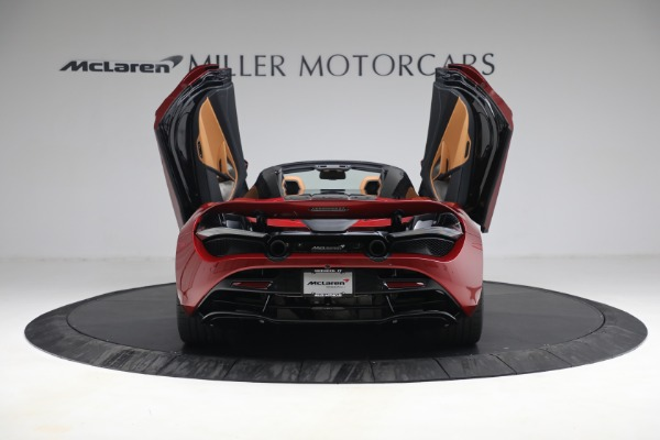 New 2022 McLaren 720S Spider for sale $382,090 at Alfa Romeo of Greenwich in Greenwich CT 06830 17