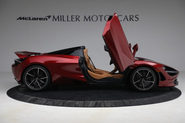 New 2022 McLaren 720S Spider for sale $382,090 at Alfa Romeo of Greenwich in Greenwich CT 06830 19