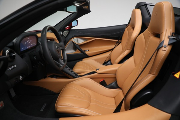 New 2022 McLaren 720S Spider for sale $382,090 at Alfa Romeo of Greenwich in Greenwich CT 06830 22