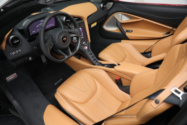 New 2022 McLaren 720S Spider for sale $382,090 at Alfa Romeo of Greenwich in Greenwich CT 06830 23