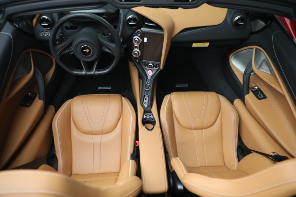 New 2022 McLaren 720S Spider for sale $382,090 at Alfa Romeo of Greenwich in Greenwich CT 06830 24