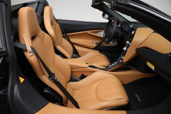 New 2022 McLaren 720S Spider for sale $382,090 at Alfa Romeo of Greenwich in Greenwich CT 06830 26