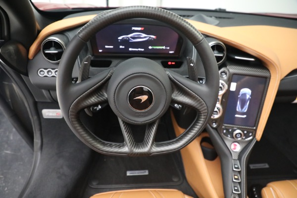 New 2022 McLaren 720S Spider for sale $382,090 at Alfa Romeo of Greenwich in Greenwich CT 06830 28