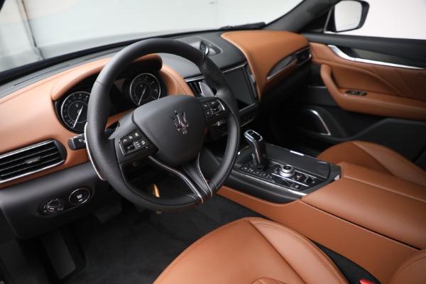 New 2022 Maserati Levante Modena for sale $104,545 at Alfa Romeo of Greenwich in Greenwich CT 06830 13