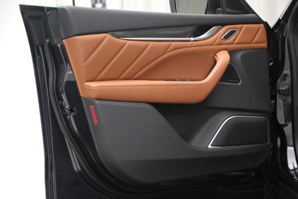 New 2022 Maserati Levante Modena for sale $104,545 at Alfa Romeo of Greenwich in Greenwich CT 06830 20