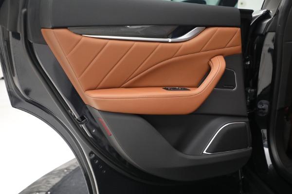 New 2022 Maserati Levante Modena for sale $104,545 at Alfa Romeo of Greenwich in Greenwich CT 06830 23