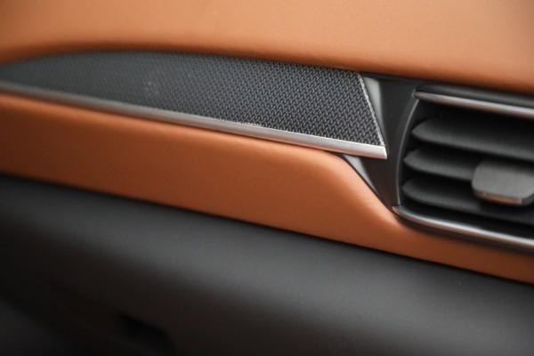 New 2022 Maserati Levante Modena for sale $104,545 at Alfa Romeo of Greenwich in Greenwich CT 06830 27