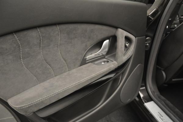 Used 2011 Maserati Quattroporte Sport GT S for sale Sold at Alfa Romeo of Greenwich in Greenwich CT 06830 17