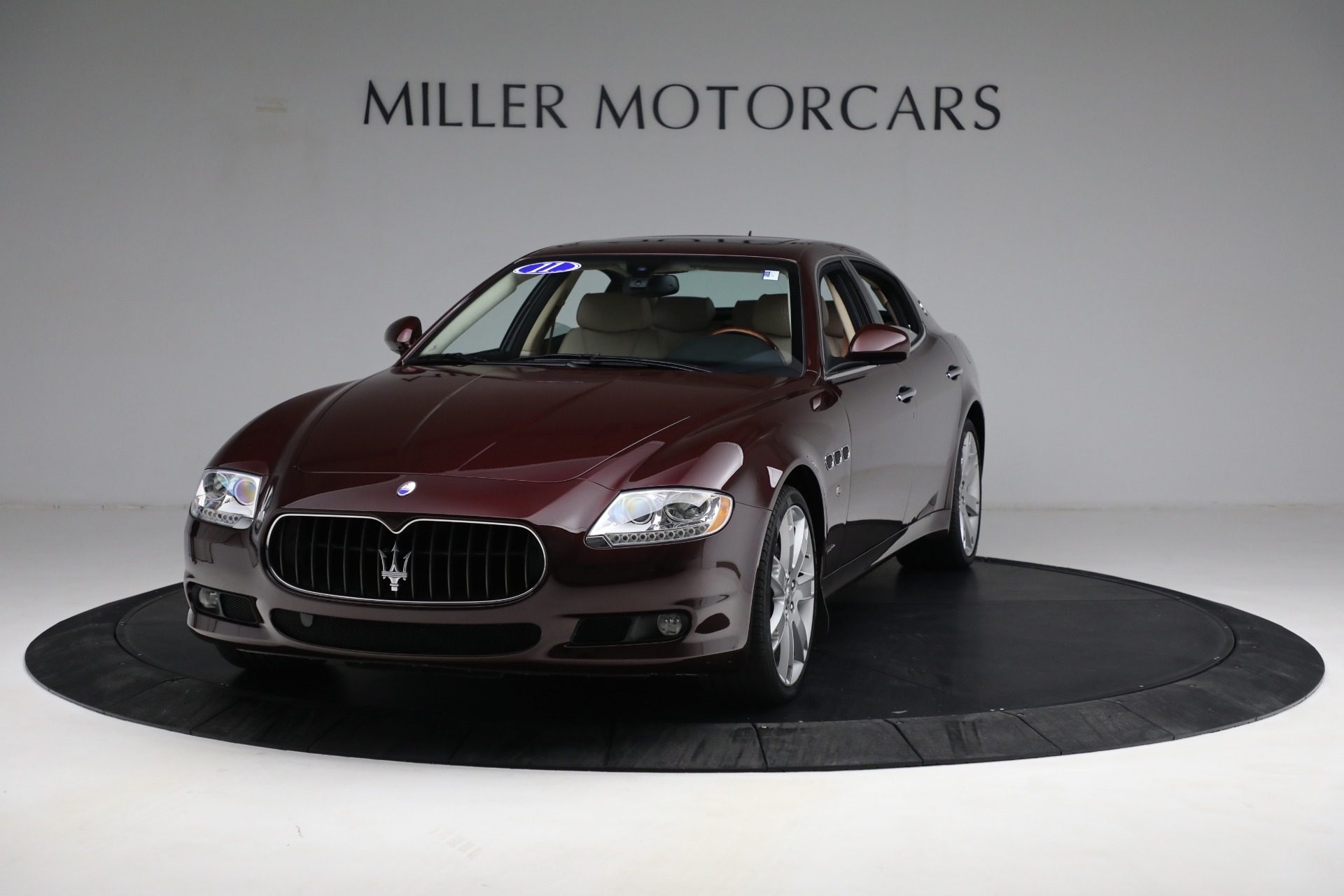 Used 2011 Maserati Quattroporte for sale $37,900 at Alfa Romeo of Greenwich in Greenwich CT 06830 1
