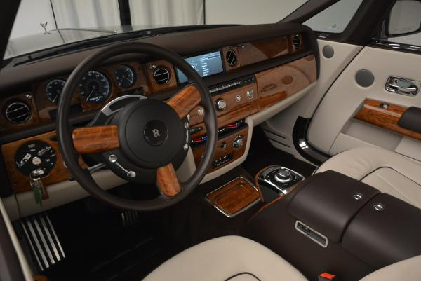 Used 2015 Rolls-Royce Phantom Drophead Coupe for sale Sold at Alfa Romeo of Greenwich in Greenwich CT 06830 28
