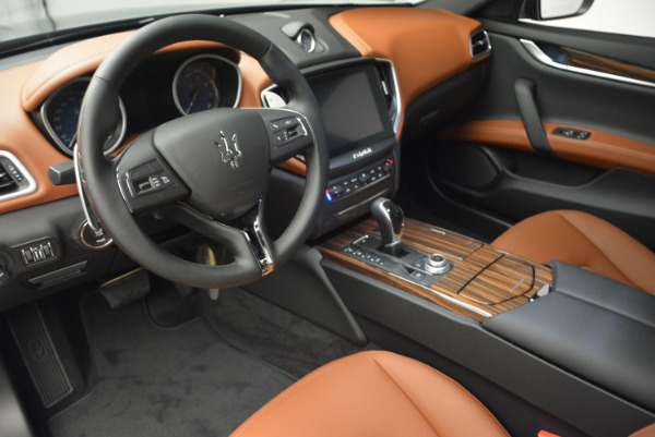 Used 2017 Maserati Ghibli S Q4  EX-LOANER for sale Sold at Alfa Romeo of Greenwich in Greenwich CT 06830 13
