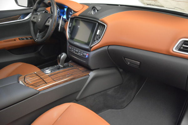 Used 2017 Maserati Ghibli S Q4  EX-LOANER for sale Sold at Alfa Romeo of Greenwich in Greenwich CT 06830 19