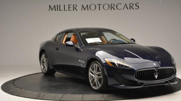 Used 2017 Maserati GranTurismo Sport for sale $74,900 at Alfa Romeo of Greenwich in Greenwich CT 06830 11