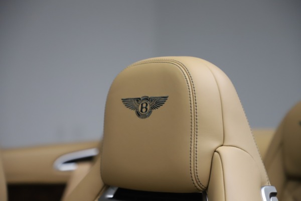 Used 2017 Bentley Continental GTC V8 S for sale $139,900 at Alfa Romeo of Greenwich in Greenwich CT 06830 28