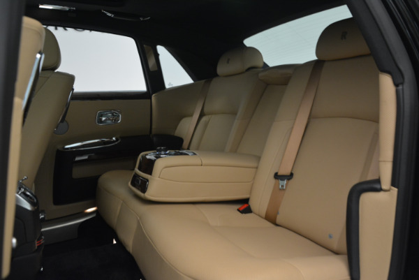 Used 2011 Rolls-Royce Ghost for sale Sold at Alfa Romeo of Greenwich in Greenwich CT 06830 23