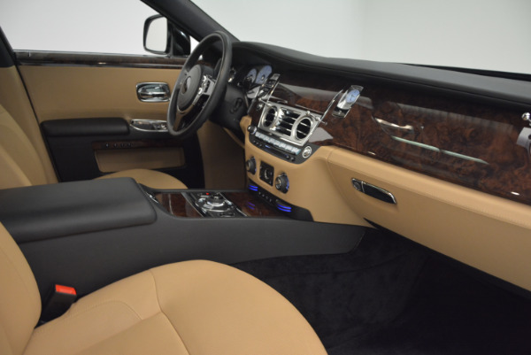 Used 2011 Rolls-Royce Ghost for sale Sold at Alfa Romeo of Greenwich in Greenwich CT 06830 27