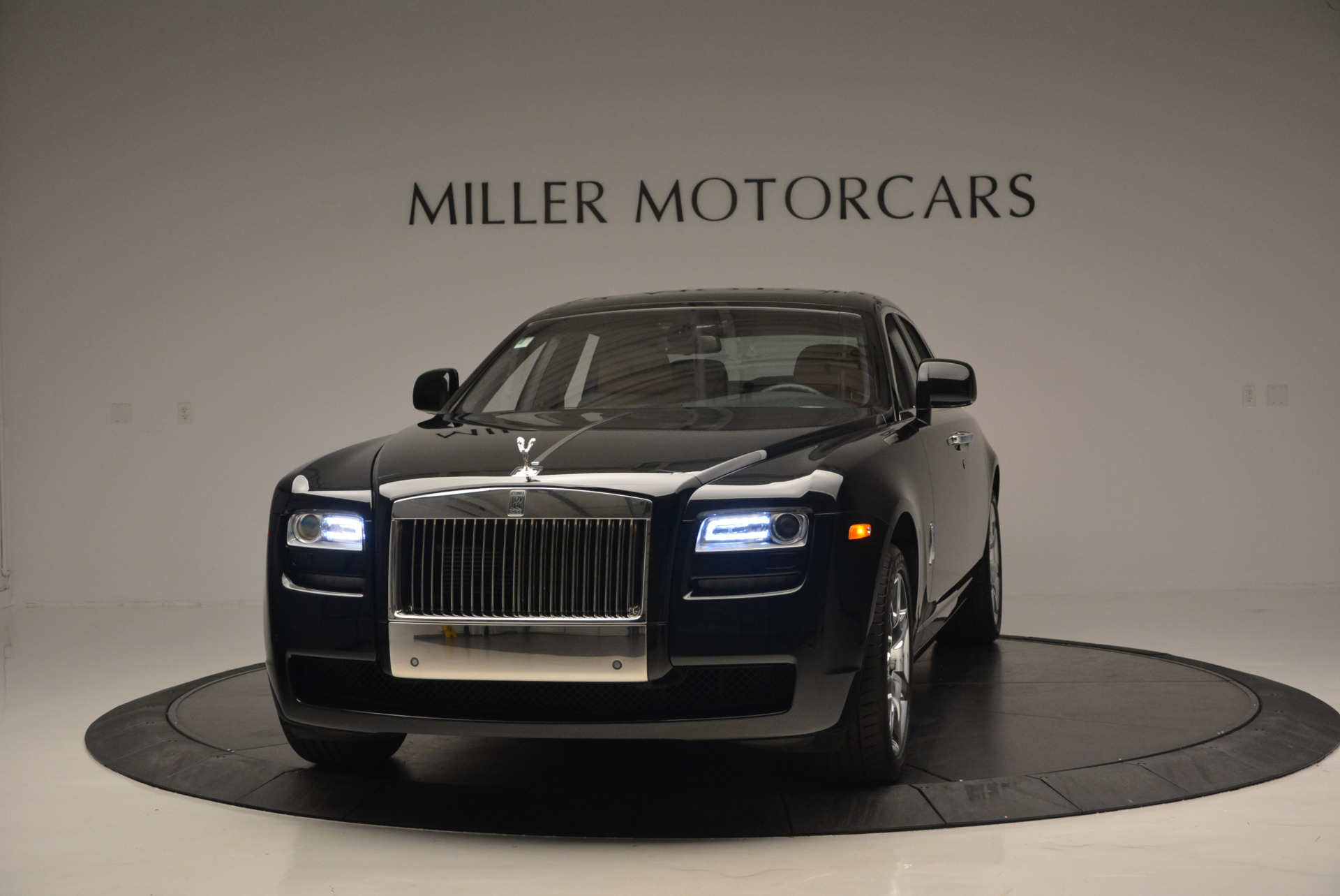 Used 2011 Rolls-Royce Ghost for sale Sold at Alfa Romeo of Greenwich in Greenwich CT 06830 1
