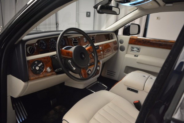 Used 2011 Rolls-Royce Phantom for sale Sold at Alfa Romeo of Greenwich in Greenwich CT 06830 10