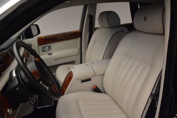 Used 2011 Rolls-Royce Phantom for sale Sold at Alfa Romeo of Greenwich in Greenwich CT 06830 11