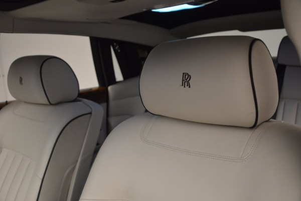 Used 2011 Rolls-Royce Phantom for sale Sold at Alfa Romeo of Greenwich in Greenwich CT 06830 12